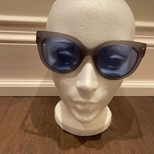 Prada sunglasses 100% authentic